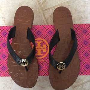 Tory Burch Thor's size 6
